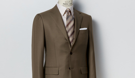 SUIT STYLE IN SPRING TONES